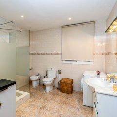 Отель Camp Nou: Travessera de les Corts Испания, Барселона - отзывы, цены и фото номеров - забронировать отель Camp Nou: Travessera de les Corts онлайн ванная