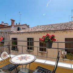 Отель Grifoni Boutique Hotel Италия, Венеция - отзывы, цены и фото номеров - забронировать отель Grifoni Boutique Hotel онлайн балкон