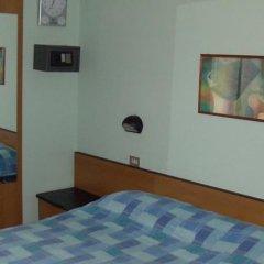 Hotel Niagara Римини сейф в номере
