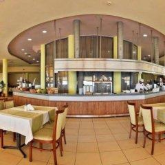 Отель Parkhotel Golden Beach - Все включено гостиничный бар