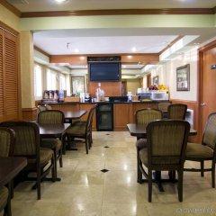 Отель Travelodge Chatsworth США, Лос-Анджелес - отзывы, цены и фото номеров - забронировать отель Travelodge Chatsworth онлайн гостиничный бар