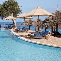 Отель Royal Zanzibar Beach Resort All Inclusive бассейн фото 3