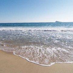 Отель Sandos Monaco Beach Hotel & Spa - Только для взрослых - Все включено Испания, Бенидорм - отзывы, цены и фото номеров - забронировать отель Sandos Monaco Beach Hotel & Spa - Только для взрослых - Все включено онлайн пляж фото 2