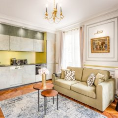 Отель Sunshine 2 bedroom - Luxury at Louvre Париж фото 27