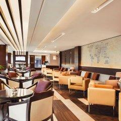 Отель Rose Rayhaan by Rotana гостиничный бар