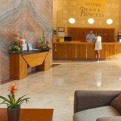 Отель RH Royal - Adults Only Испания, Бенидорм - отзывы, цены и фото номеров - забронировать отель RH Royal - Adults Only онлайн интерьер отеля