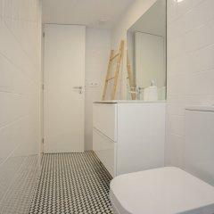 Апартаменты Liiiving In Porto Terrace & Sunny Apartment Порту ванная