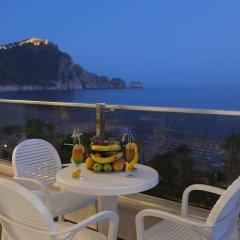 Xperia Saray Beach Hotel Турция, Аланья - 10 отзывов об отеле, цены и фото номеров - забронировать отель Xperia Saray Beach Hotel онлайн балкон