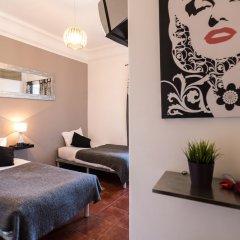 Отель V Dinastia Lisbon Guesthouse Португалия, Лиссабон - 1 отзыв об отеле, цены и фото номеров - забронировать отель V Dinastia Lisbon Guesthouse онлайн комната для гостей фото 4