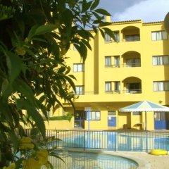 Отель Apartamentos Rio Португалия, Виламура - отзывы, цены и фото номеров - забронировать отель Apartamentos Rio онлайн бассейн
