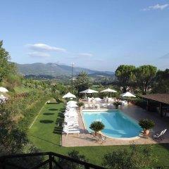Hotel Ristorante La Fattoria Сполето бассейн
