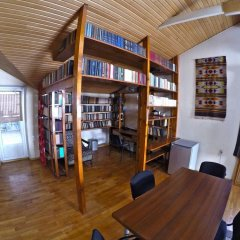 Classical Green Hostel Тбилиси развлечения
