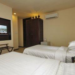 East Hotel комната для гостей