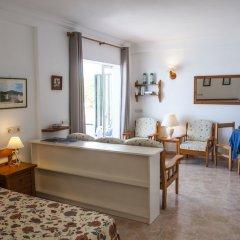 Отель Estudios Vistamar Испания, Эс-Мигхорн-Гран - отзывы, цены и фото номеров - забронировать отель Estudios Vistamar онлайн комната для гостей фото 5