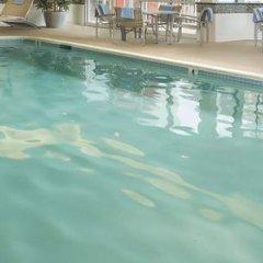 Отель Fairfield Inn & Suites by Marriott Frederick бассейн фото 3