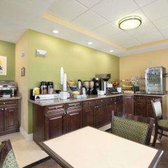 Отель Quality Inn & Suites Glenmont - Albany South питание фото 2