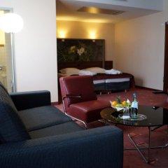 Отель AZIMUT Hotel Cologne Германия, Кёльн - 13 отзывов об отеле, цены и фото номеров - забронировать отель AZIMUT Hotel Cologne онлайн интерьер отеля фото 2