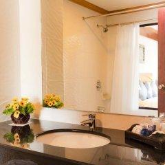Отель Jiraporn Hill Resort Пхукет ванная