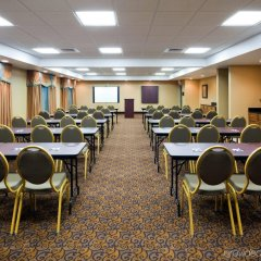 Отель Holiday Inn Express & Suites Somerset Central