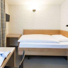Отель Hauser Swiss Quality Hotel Швейцария, Санкт-Мориц - отзывы, цены и фото номеров - забронировать отель Hauser Swiss Quality Hotel онлайн комната для гостей фото 3