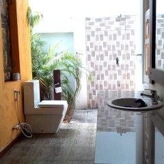 Отель Gomez Place Шри-Ланка, Негомбо - отзывы, цены и фото номеров - забронировать отель Gomez Place онлайн ванная