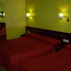 Отель Hostal Centro Sol Испания, Мадрид - отзывы, цены и фото номеров - забронировать отель Hostal Centro Sol онлайн комната для гостей фото 5