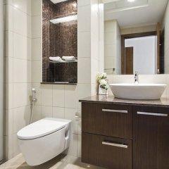Отель Bespoke Residences - Bay Square ванная фото 2