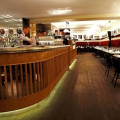 Отель Ferdinand Hotel – Bar – Restaurant Дания, Орхус - отзывы, цены и фото номеров - забронировать отель Ferdinand Hotel – Bar – Restaurant онлайн гостиничный бар