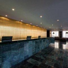 Отель NH Prague City бассейн