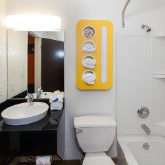 Отель Motel 6 Hollywood США, Лос-Анджелес - отзывы, цены и фото номеров - забронировать отель Motel 6 Hollywood онлайн ванная фото 2