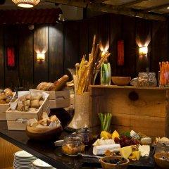 Отель Crowne Plaza Dubai Deira питание фото 2