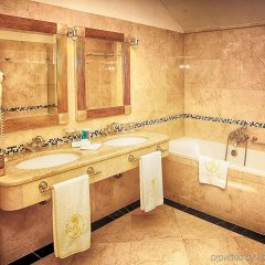 Luxury Family Hotel Royal Palace ванная