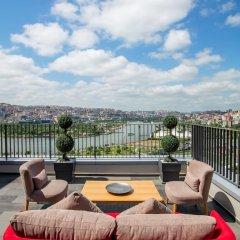 Отель Hilton Garden Inn Istanbul Golden Horn бассейн