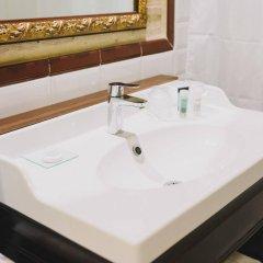 Отель Ad Hoc Monumental Hotel Испания, Валенсия - отзывы, цены и фото номеров - забронировать отель Ad Hoc Monumental Hotel онлайн ванная
