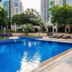 Отель Maison Privee - Burj Residence Дубай бассейн фото 2