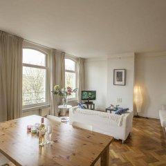 Апартаменты Rijksmuseum Apartment комната для гостей