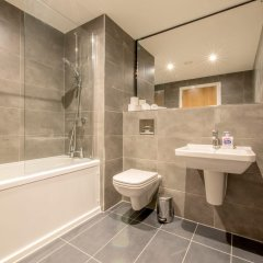 Апартаменты Modern 2 Bedroom Apartment in Northern Quarter ванная