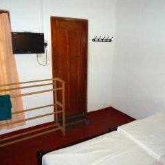Отель Thirasara Holiday Inn Шри-Ланка, Тиссамахарама - отзывы, цены и фото номеров - забронировать отель Thirasara Holiday Inn онлайн удобства в номере