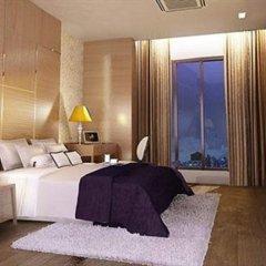 Отель Vertical Suite Бангкок комната для гостей
