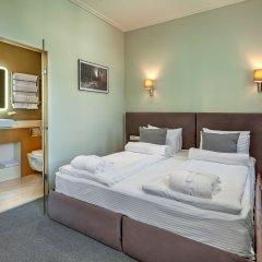 Гостиница Diplomat Residence сейф в номере