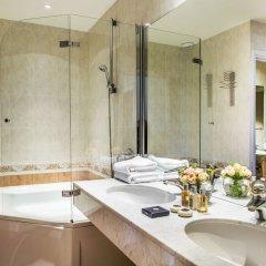 Отель Plaza Nice Франция, Ницца - 6 отзывов об отеле, цены и фото номеров - забронировать отель Plaza Nice онлайн ванная