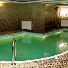 Гостиница Усадьба бассейн