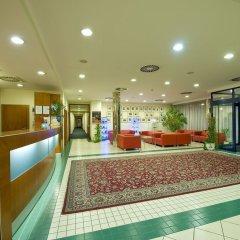 Отель Ramada Airport Hotel Prague Чехия, Прага - 2 отзыва об отеле, цены и фото номеров - забронировать отель Ramada Airport Hotel Prague онлайн фото 13