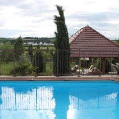 Отель Le Domaine des Archies бассейн