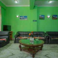 Отель OYO 231 Hotel Magnificent View Непал, Катманду - отзывы, цены и фото номеров - забронировать отель OYO 231 Hotel Magnificent View онлайн интерьер отеля