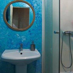Гостиница Хостел Wanderlust в Санкт-Петербурге отзывы, цены и фото номеров - забронировать гостиницу Хостел Wanderlust онлайн Санкт-Петербург ванная фото 2