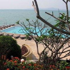 Отель Golden Cliff House бассейн