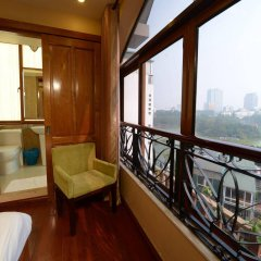 Отель The Artisan Lakeview Hotel Вьетнам, Ханой - 2 отзыва об отеле, цены и фото номеров - забронировать отель The Artisan Lakeview Hotel онлайн балкон