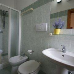 Отель Villa Caterina Италия, Римини - 1 отзыв об отеле, цены и фото номеров - забронировать отель Villa Caterina онлайн ванная