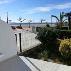 Отель InmoSantos Oasis E3 Испания, Курорт Росес - отзывы, цены и фото номеров - забронировать отель InmoSantos Oasis E3 онлайн пляж